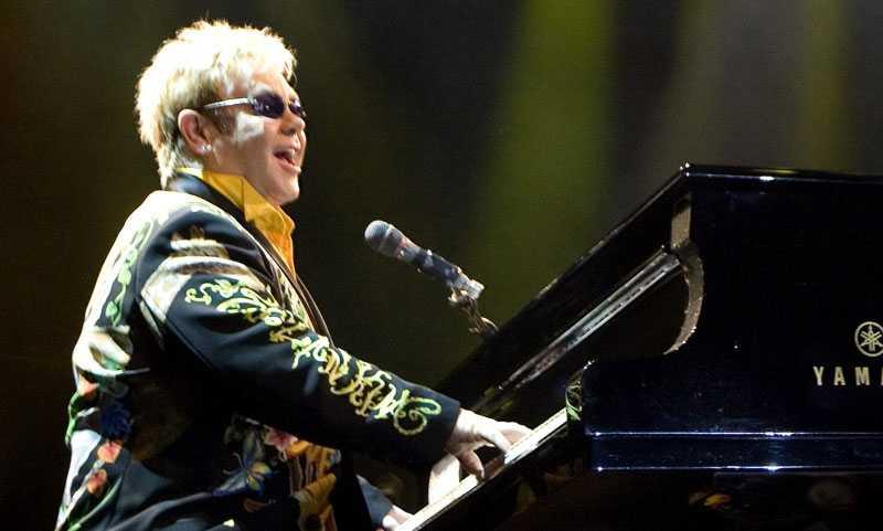 Elton John kommer till Borås i juni.