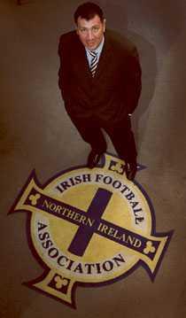 """Nordirlands förbundskapten Lawrie Sanchez har förvandlat """"loserlaget"""" Nordirland till en grupp vinnarskallar. På onsdag är han dock nöjd med """"bara"""" oavgjort mot Sverige."""