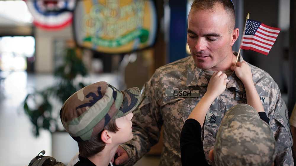 """Brian Eisch i """"Father soldier son""""."""