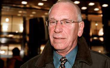 Stig Malm är besviken på valberedningens hantering av partiledarfrågan.