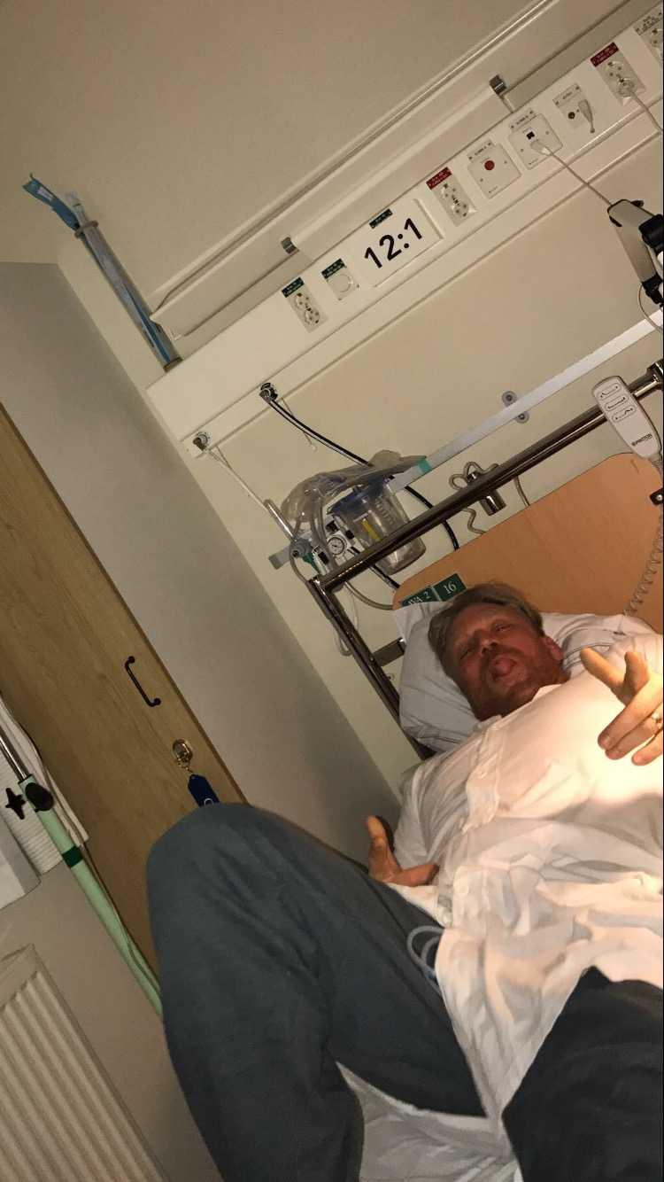 Michael Fridebäck ligger på sjukhus.