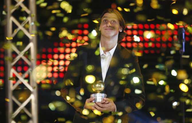 Senhösten 2007 vann Zlatan sin andra guldboll. Och den här gången var huvudpersonen på plats i Stockholm för att ta emot priset.