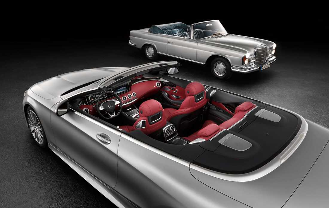Nya Cabrioleten i förgrunden, i fonden syns den klassiska modellen från 60/70-talet.