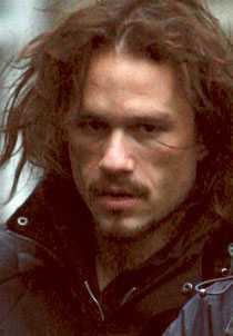 DÖD Skådespelaren Heath Ledger blev bara 28 år. Han dog ensam i sin lägenhet med en cocktail av mediciner i kroppen .