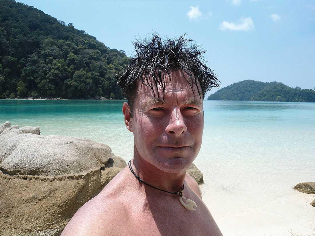 Dennis Karlsson, 46, arbetar halvårsvis som dykinstruktör i Thailand och blev vittne till dramat.