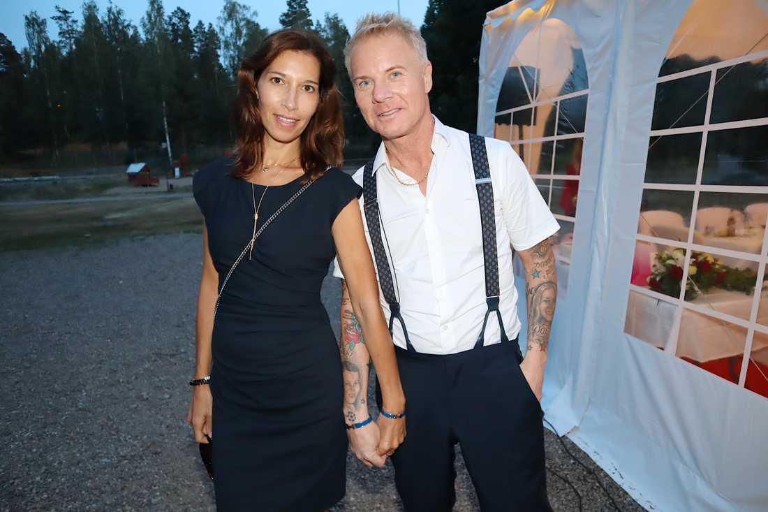 Christer Sandelin och Nora Laroussi.