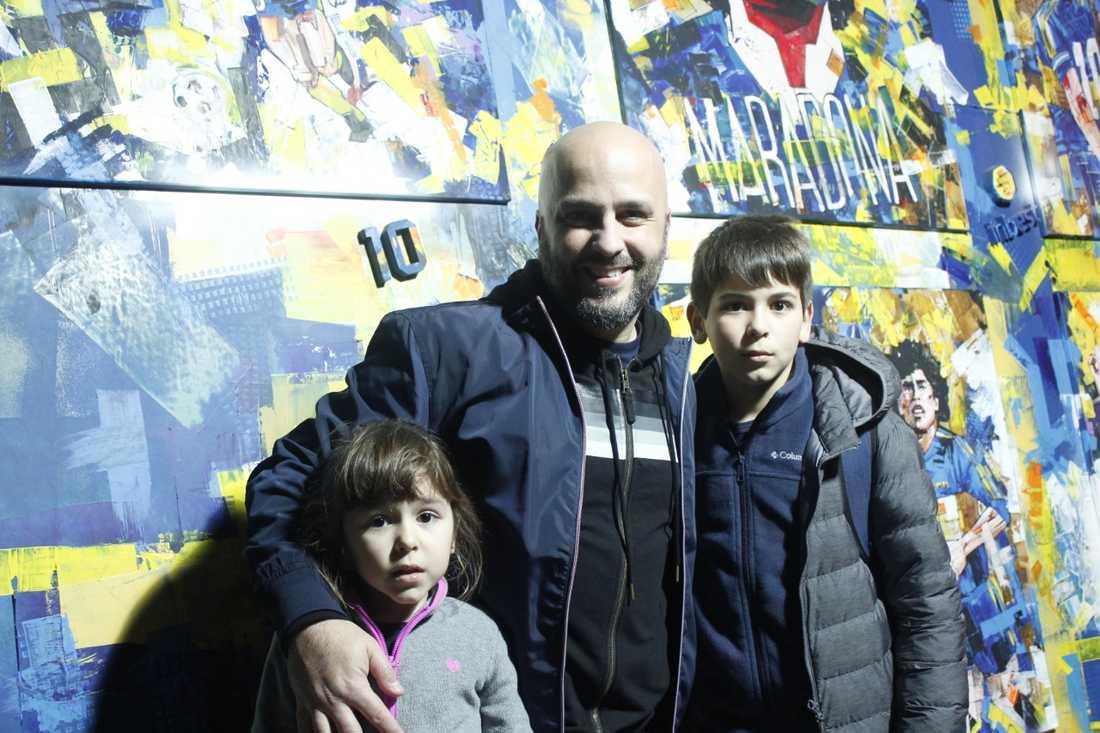 Nicolas Zottola med barnen.