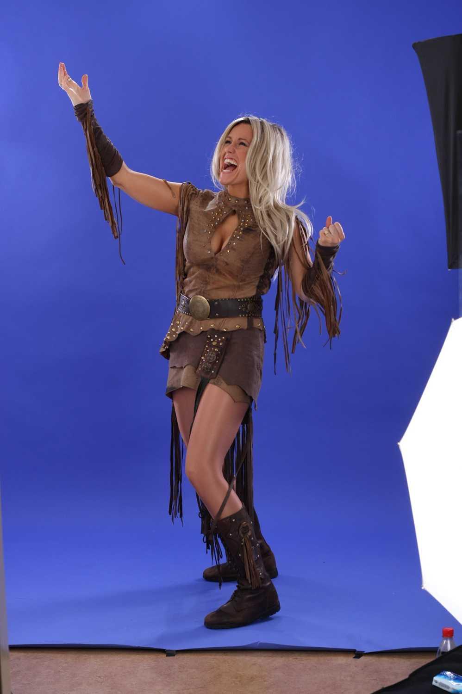 """Annika Ljungberg sjunger ledmotivet till japanska """"Legend of mana"""" från 1999."""