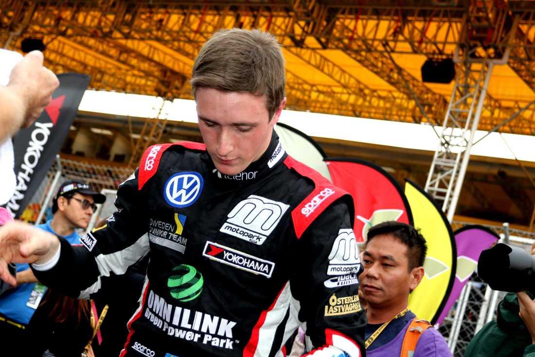 Joel Eriksson bröt Macau Grand Prix