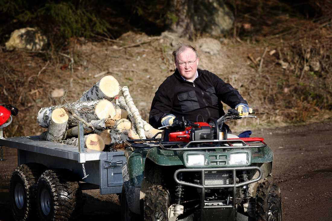 Förre statsministern Göran Persson på sin gård.