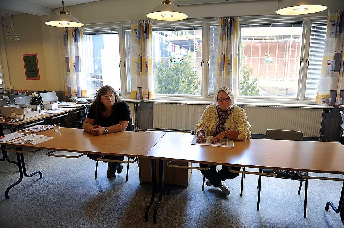 DEMOKRATISKT FIASKO Valförrättarna i Bergsjön i Göteborg hade en lugn dag i går – andelen röstande i länet var bara 43 procent. Därför säger Socialdemokraternas succésiffror inte mycket om Håkan Juholts påverkan.