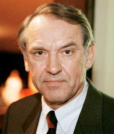 Djupt trauma Jan Eliasson jämför mordet på Anna Lindh med mordet på Olof Palme. Han menar att tilltron på rättsväsendet och polisbevakningen har skadats.