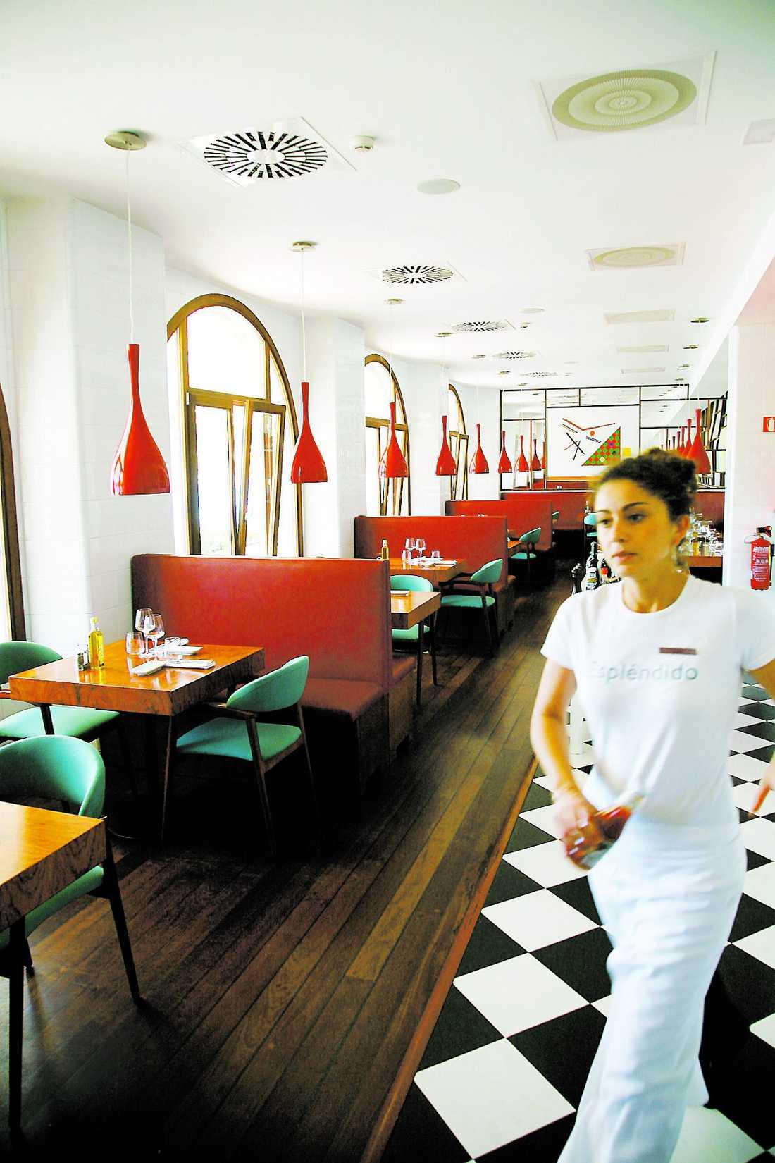 Designad inredning i Esplendidos restaurang.