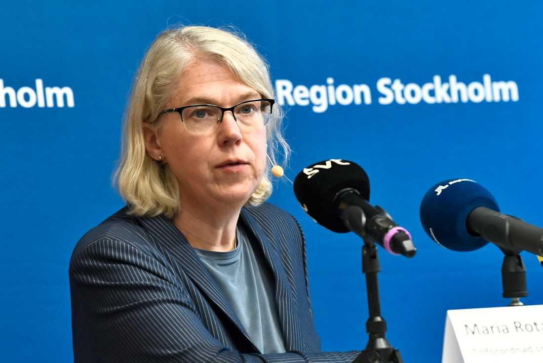 Maria Rotzén Östlund, tf smittskyddsläkare i Stockholm, vill inte uttala sig om eventuella restriktioner i Stockholm.