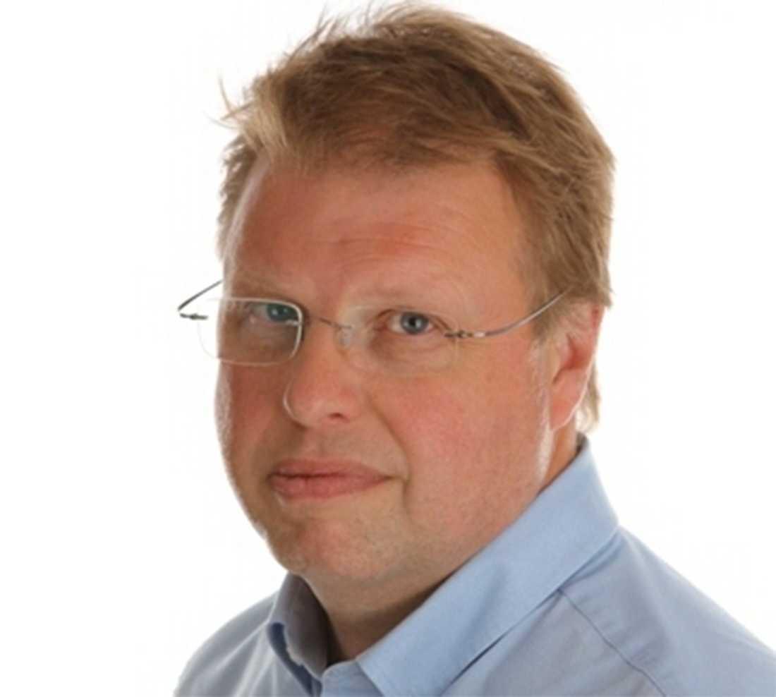 Nu vill riksdagsledamoten Bengt Eliasson (Fp) att kulturminister Alice Bah Kuhnke ska göra något åt censuren inför nästa års tävling i Sverige, skriver SVT.