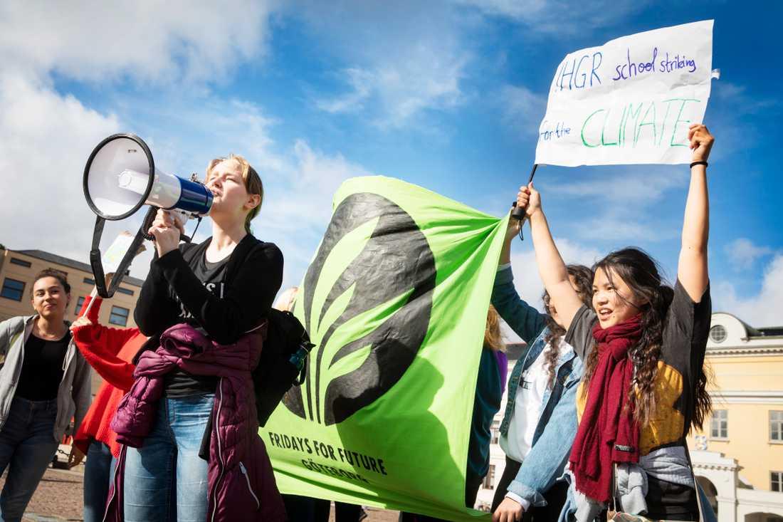 Klimatdemonstrationer sker på flera platser i Sverige på fredagen. Arkivbild.