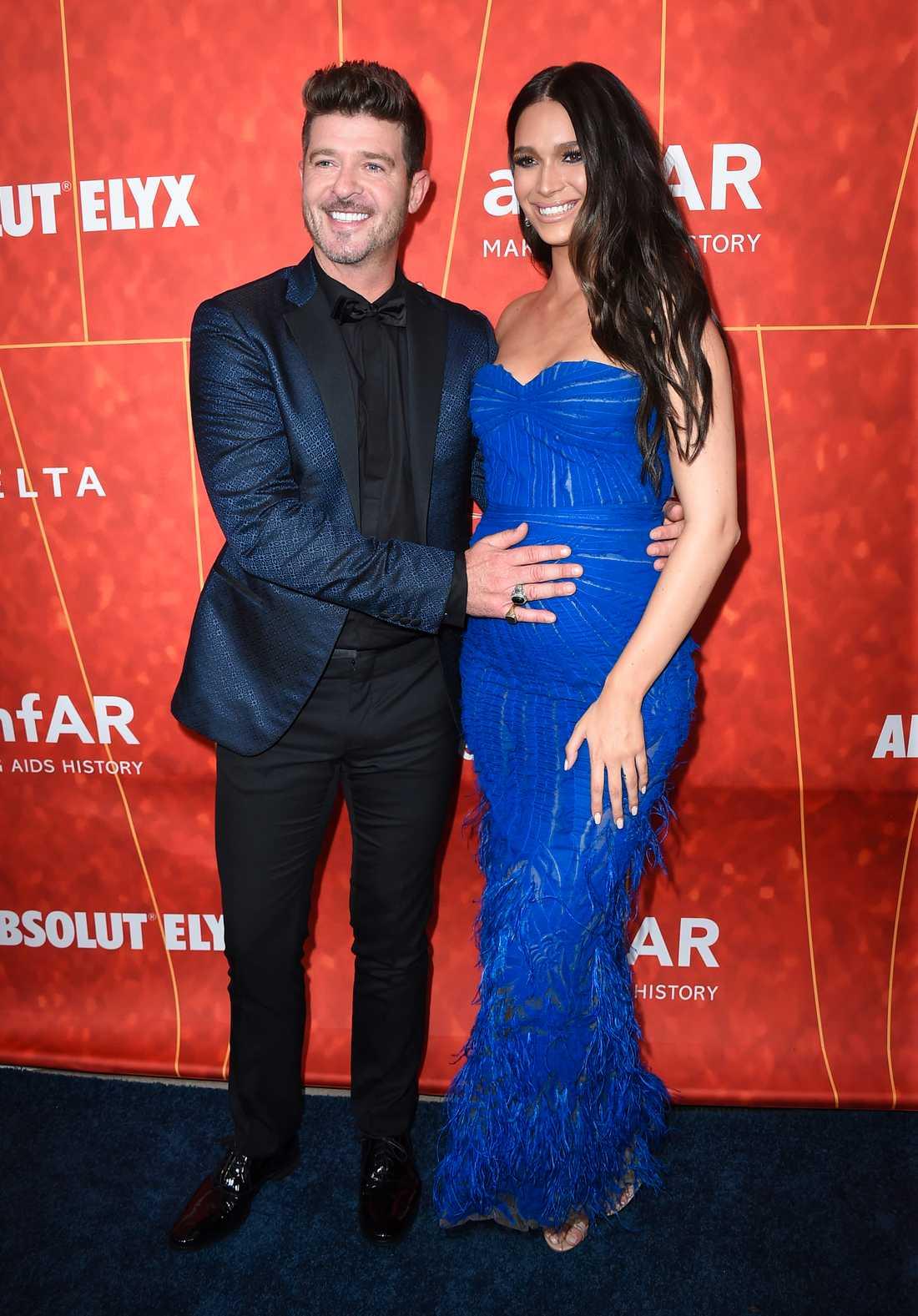 Robin Thicke och April Love Geary, som är gravid.