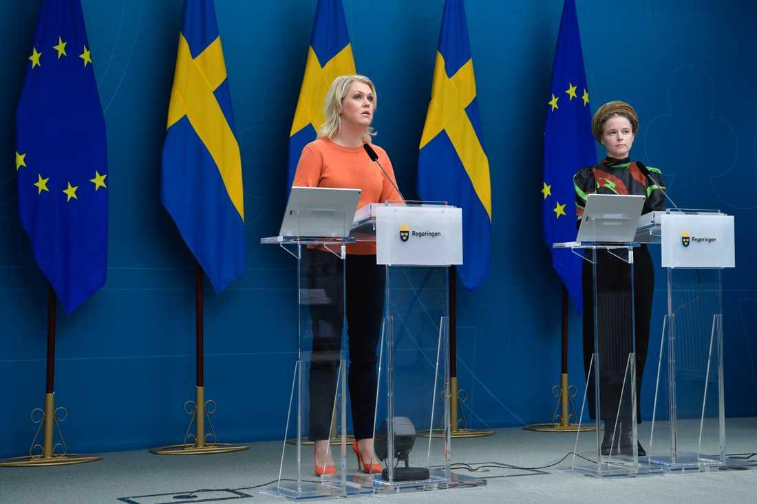 Socialminister Lena Hallengren och kulturminister Amanda Lind.