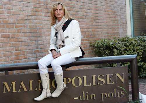 """Jeanette Larsson arbetar med hatbrottsutbildning och hörde en kollega kalla homosexuella för """"en cancersvulst på samhället""""."""