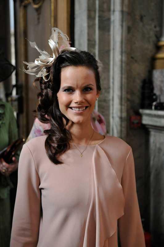 Prinsflickvännen gjorde sin officiella debut på prinsessans Estelles dop i fjol.