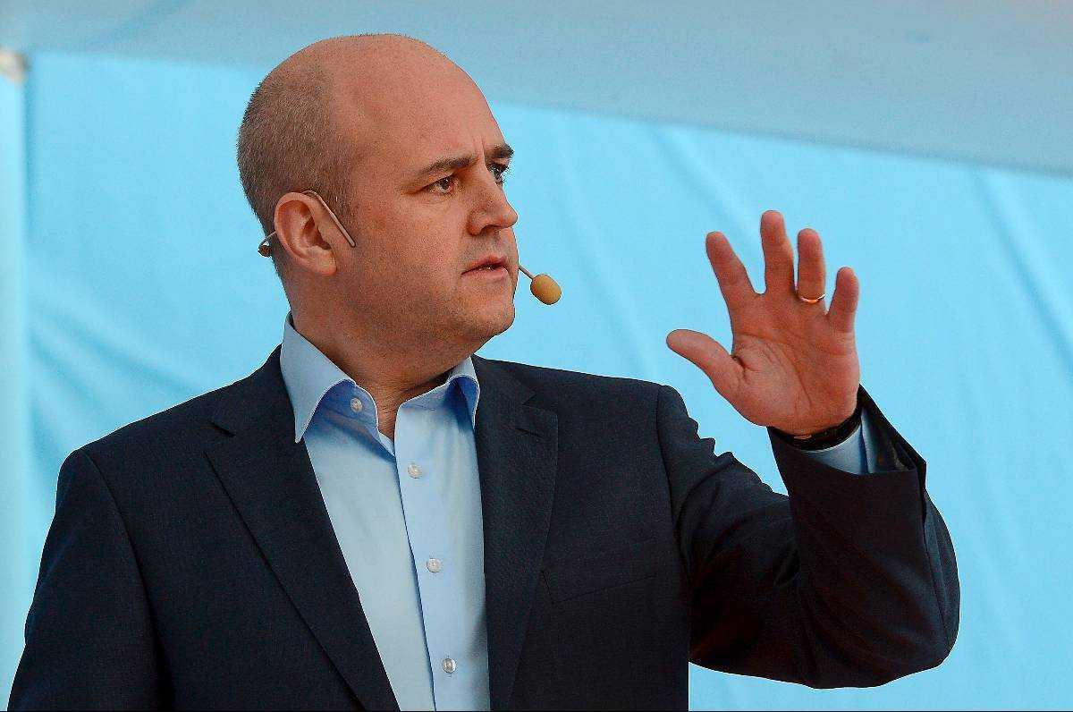 SKAFFAR KOMPISAR Sveriges moderata statsminister Fredrik Reinfeldt är på väg mot ett historiskt avtal med LO som nu riskerar att få hård kritik inom den egna organisationen.