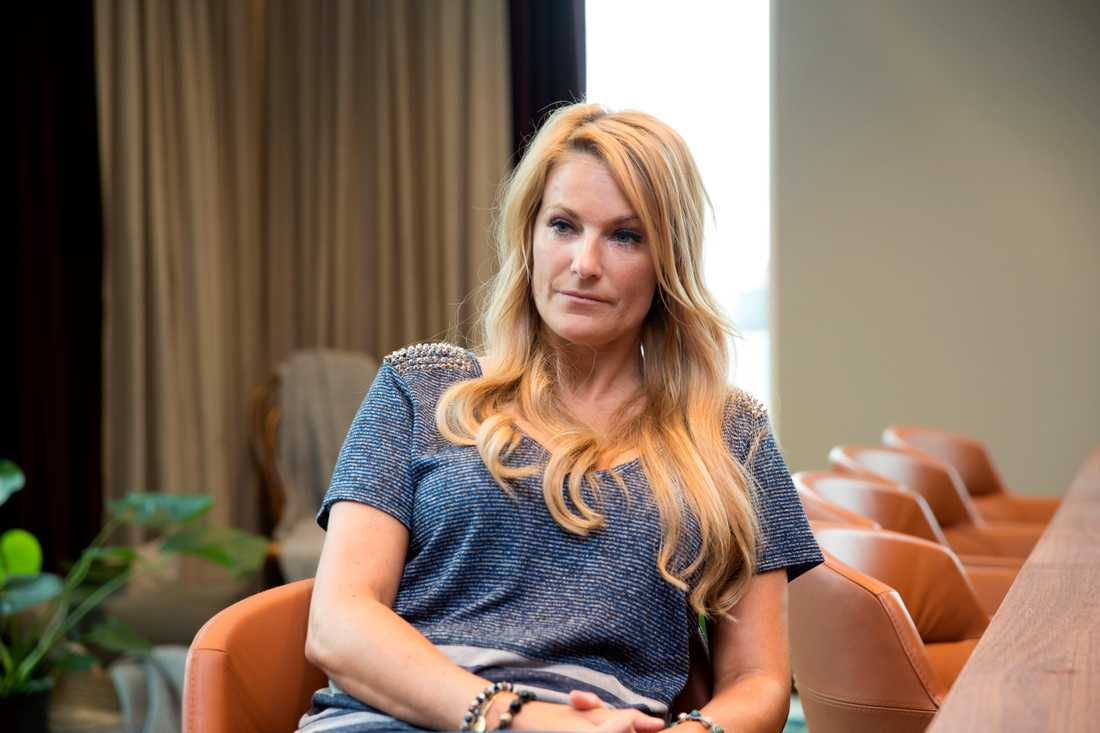 Laila Bagge utsattes för näthat efter delfinbilden.