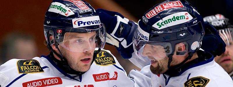 BÄST I KLUBBEN Expekts hockeyexpert Niklas Wikegård tycker att den enda riktigt vassa femman i LHC är den med tjeckerna, Hlinka och Hlavac.