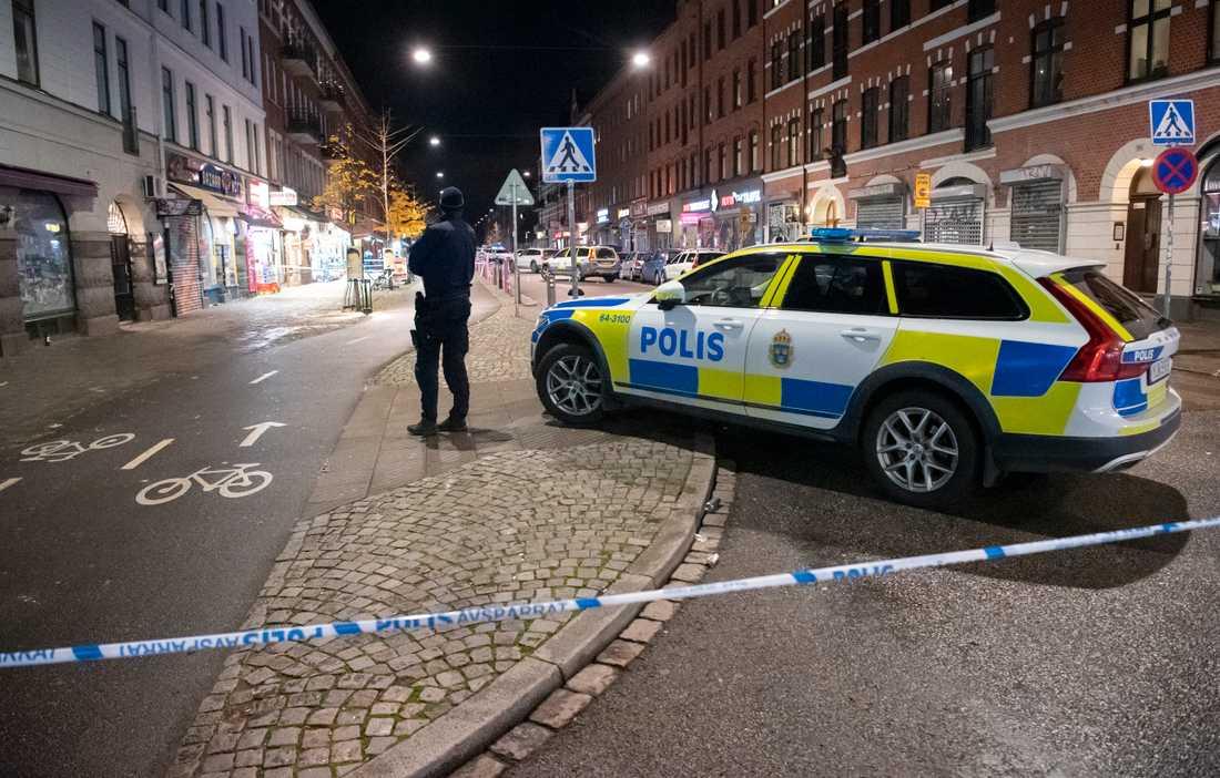 Den 9 november i fjol mördades en 15-årig pojke utanför en pizzeria vid Möllevångstorget i Malmö och en jämnårig pojke skottskadades. Arkivbild.
