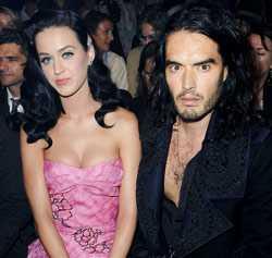 """Katy Perry: Ålder: 25 år. Yrke: Sångerska. Aktuell: Med """"MTV Unplugged"""" — en liveskiva och dvd som släpptes 17 november. Tillsammans med Russell Brand; Ålder: 34 år. Yrke: Komiker och skådespelare. Aktuell: Med tre nya filmer som har premiär nästa år."""