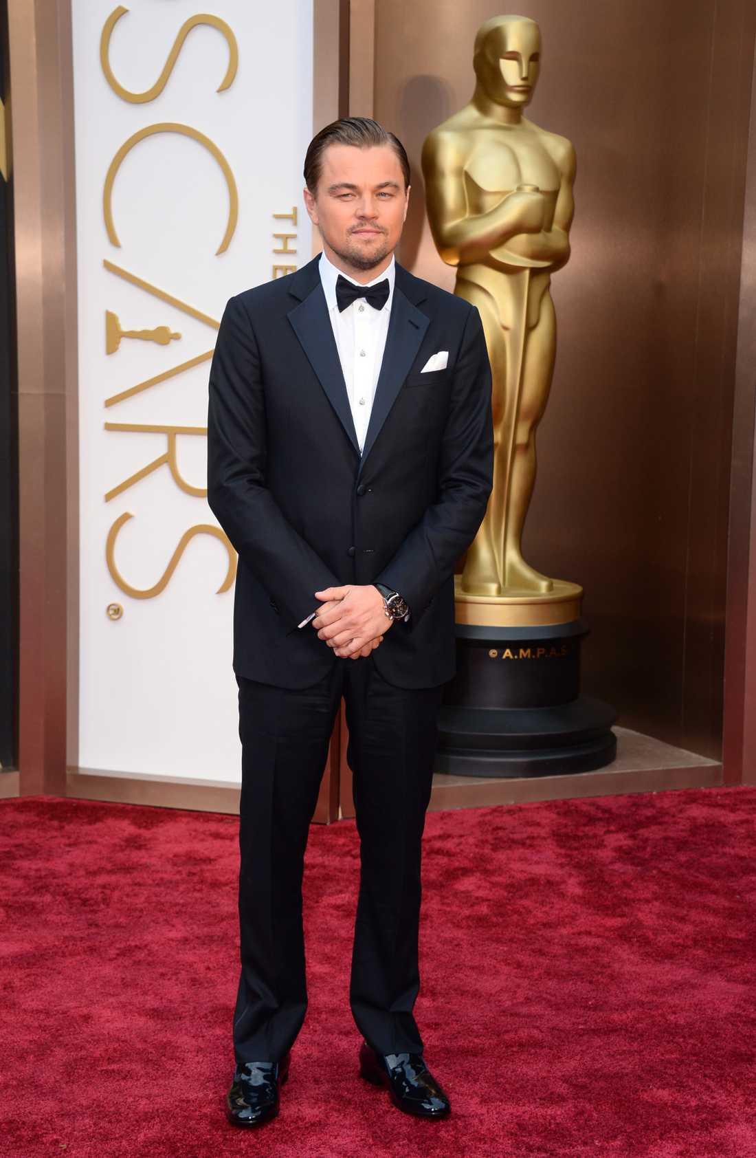 """+++++ Leonardo DiCaprio: """"Få, verkligen FÅ, ser så Hollywood ut som Leo. Ända sedan Titanic så vet vi alla att han är född att bära smoking och även denna natt är han helt felfri. Otrolig elegans."""""""