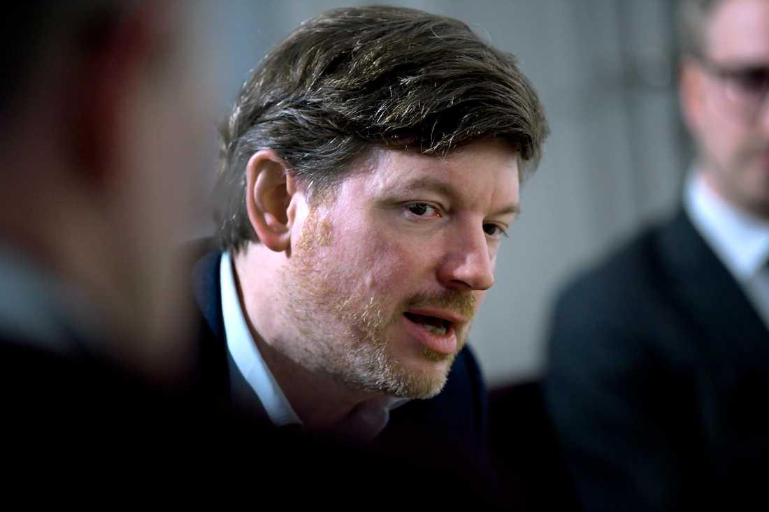 Martin Ådahl, Centerpartiets arbetsmarknadspolitiska talesperson, vill stoppa nedläggningen av AF:s kontor. Arkivbild.