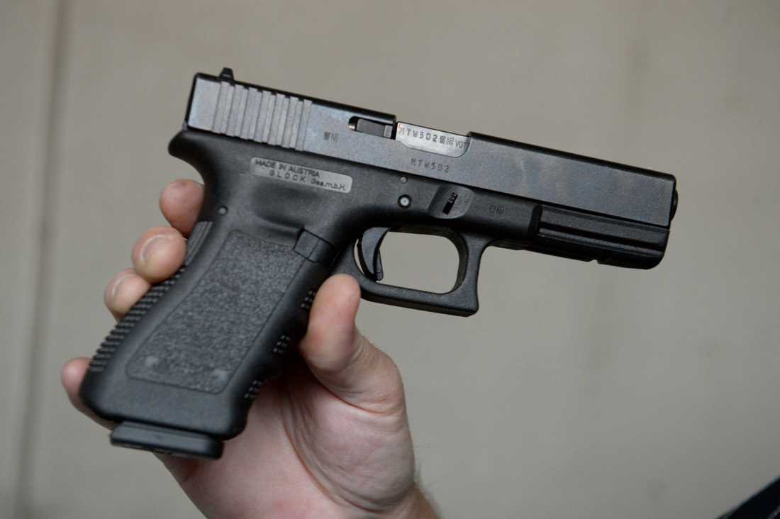 Flera pistoler av modell Glock 17 har försvunnit från regeringskansliet.