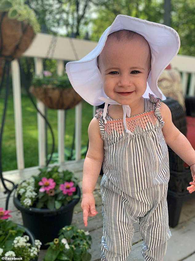 1-åriga Chloe dog efter ett fall från ett fartyg.