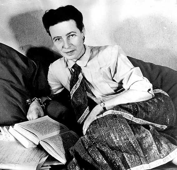 """levde dubbelliv Simone de Beauvoir (1908–1986), fransk filosof, politisk aktivist och författaren bakom 1900-talets feministbibel """"Det andra könet"""". Men bakom fasaden som kvinnorättskämpe ljög de Beauvoir om sina lesbiska förhållanden och behandlade sin älskarinnor nedlåtande och utstuderat elakt, hävdar en ny biografi."""
