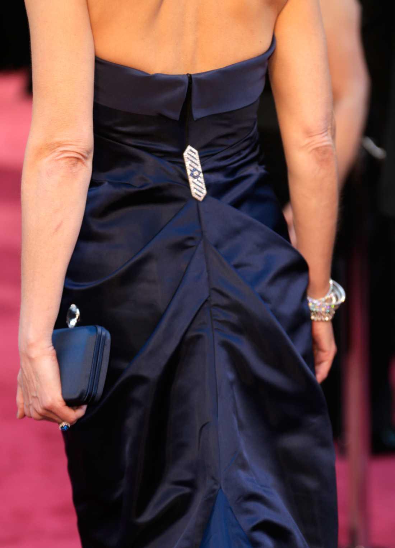 Helen Hunt kom i en klänning av H&M.