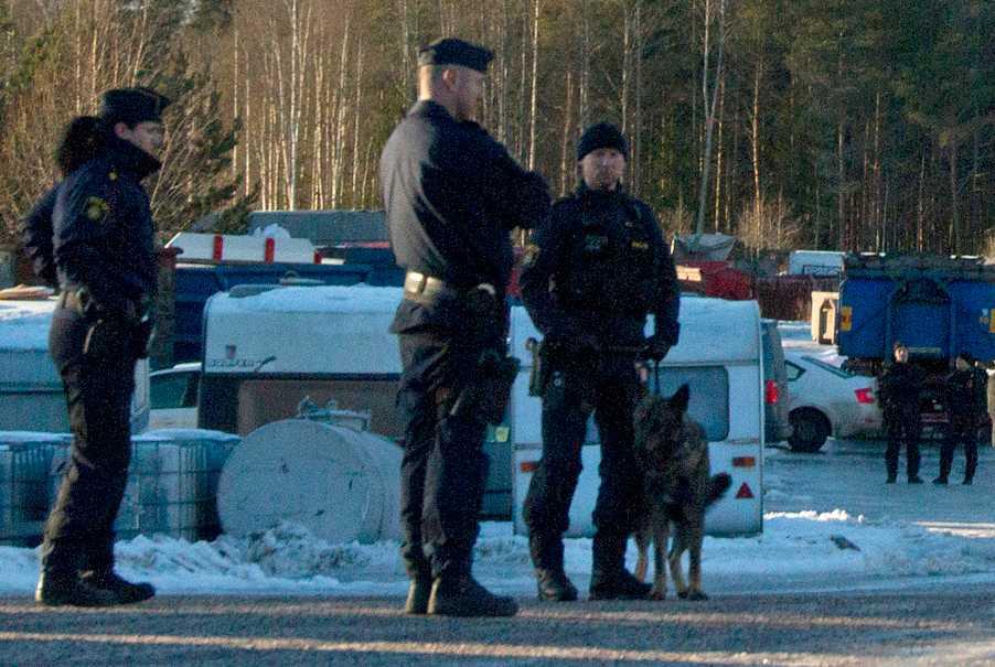Större polisinsatts i Sandviken i samband med att en motorcykelklubb har årsmöte.
