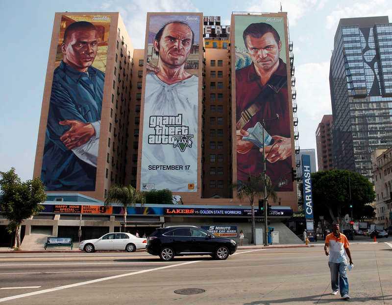 Reklamkampanj modell större i Los Angeles. Det nya Grand Theft Auto-spelet har kostat 1,7 miljarder att utveckla.