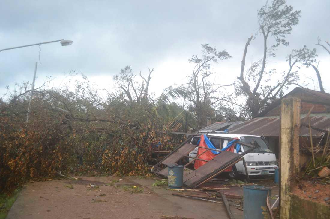 Förödelse i Coron, Palawanprovinsen.