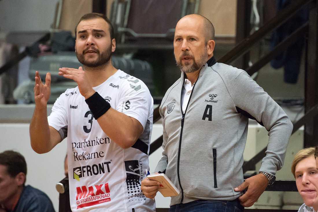Emil Andersson, till vänster, är klar för Redbergslid