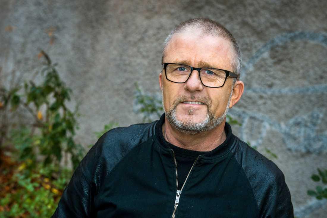Jan Johansen tar över Thorsten Flincks låt.