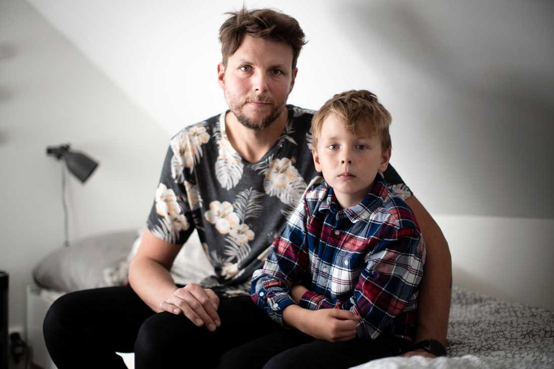 Alvin med pappa Gustaf Elander.