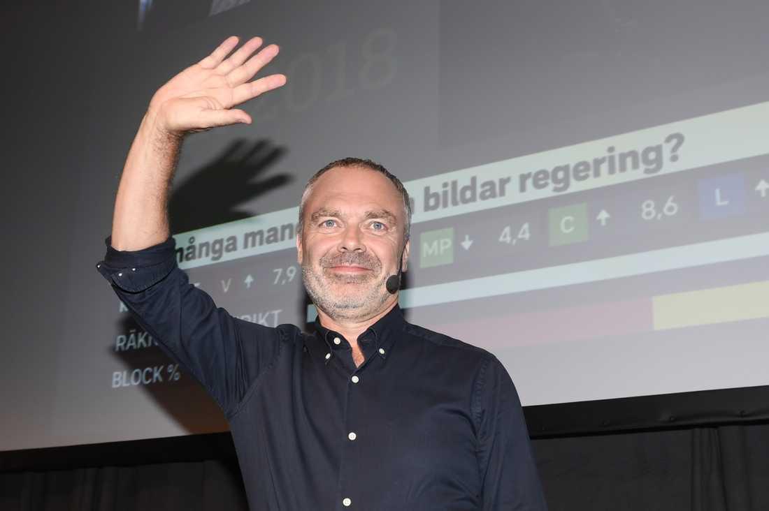 Partiledare Jan Björklund på Liberalernas valvaka på Clarion hotel i Stockholm. I blå skjorta.