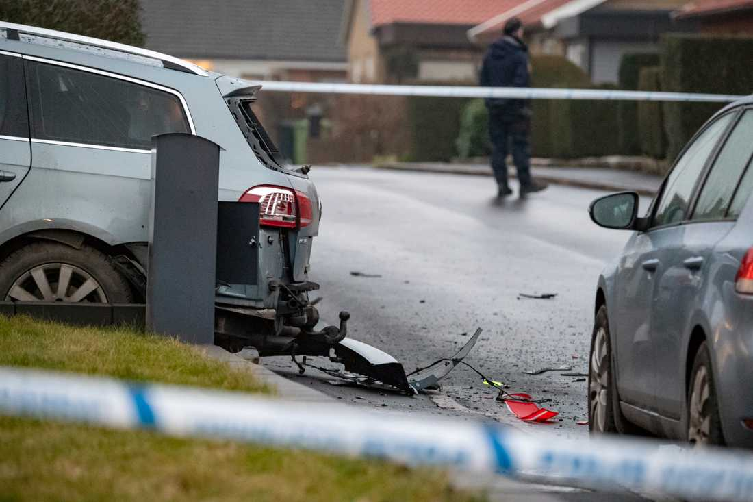 Flera bilar skadades i explosionen.