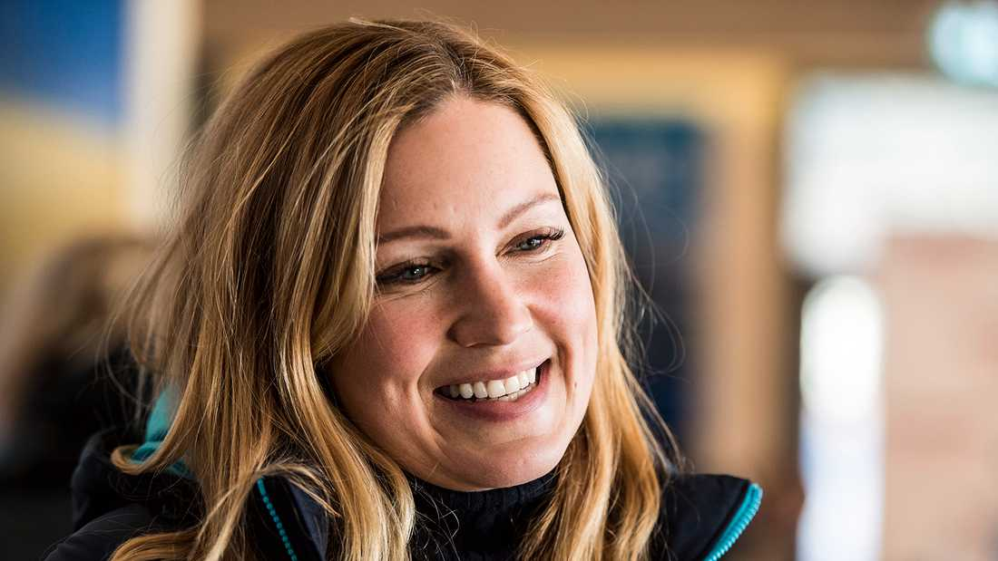 Jessica Almenäs är programledare...