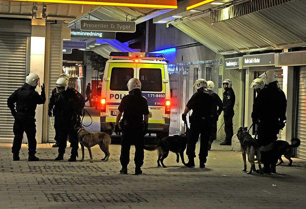 Polis i Husby.