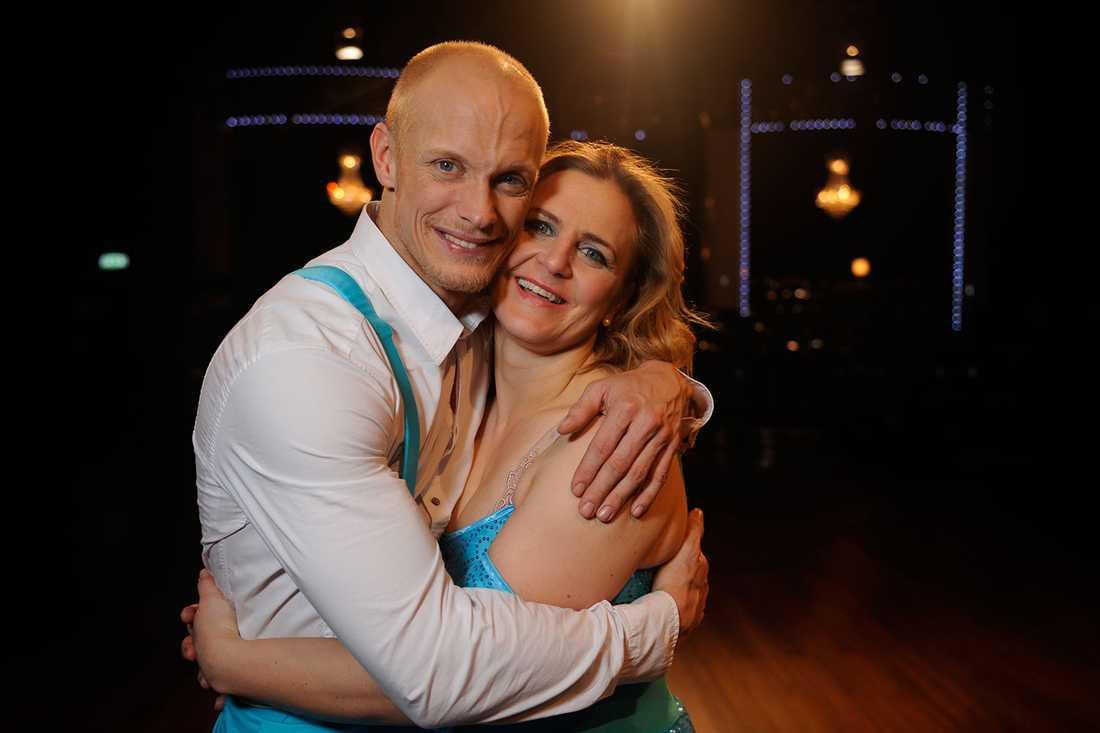 Tina med Let's dance-partnern Tobias Karlsson.