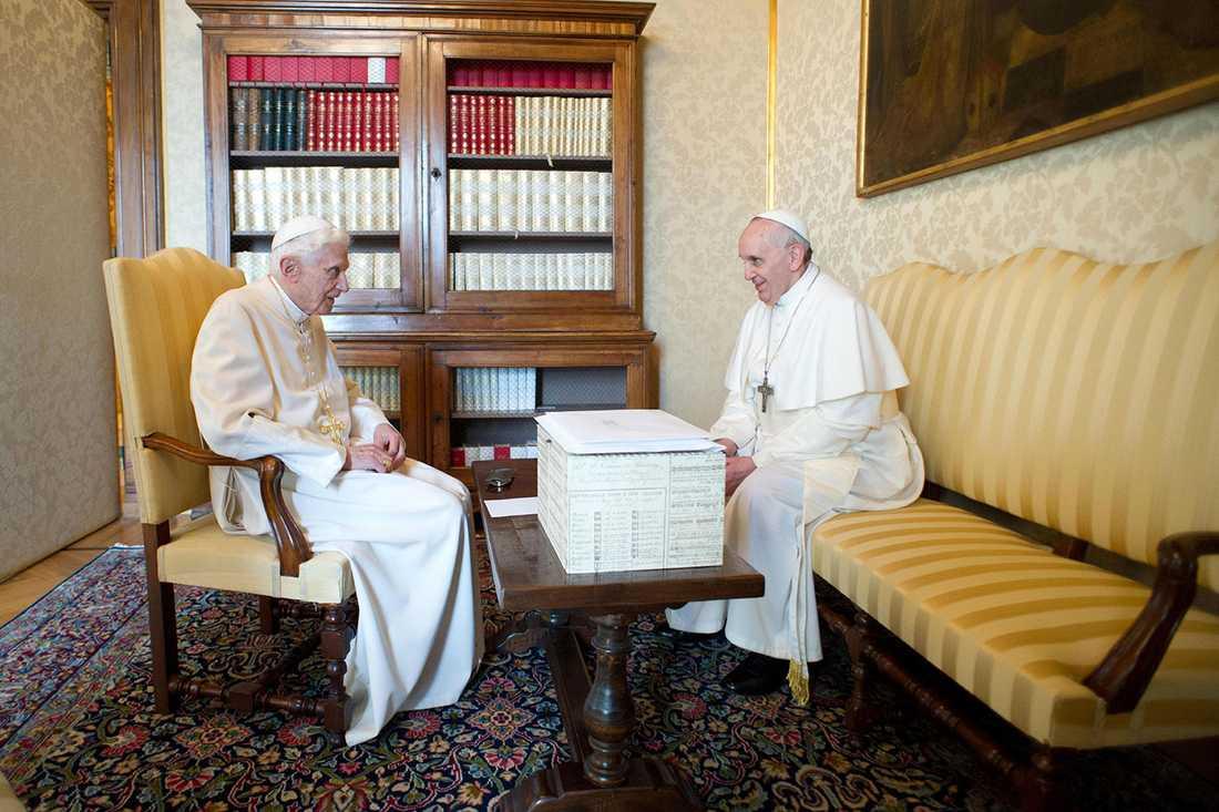 Gamle påven och påven språkar.