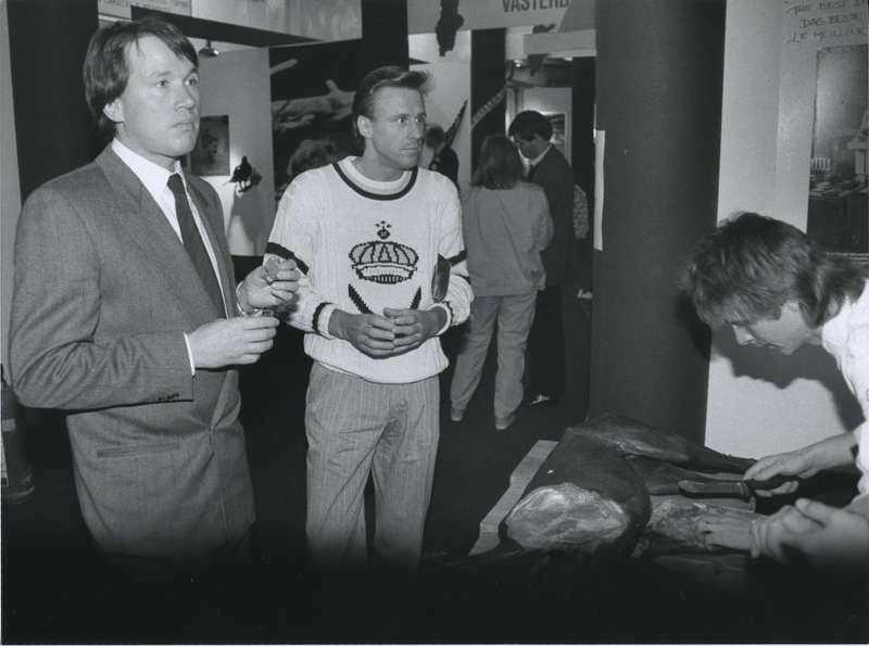 1a40ed91e50 Stormrik jubilar I år får tennislegendaren sin sista utbetalning från Björn  Borg AB, och om. Startade affärerna 1987 började Björn Borg (till vänster),  ...