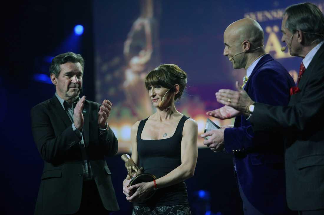 Susanne Janson utsågs till Årets Vardagshjälte 2010. Hon förlorade båda sina dörrar i tsunamin men lyckades vända förlust och sorg till något positivt och startade ett barnhem i Phuket