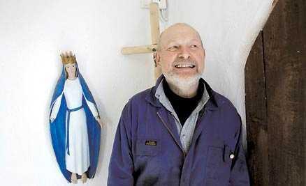 Pappan Martas pappa Samuel Cavallin, 65, tillhör också katolska kyrkan.